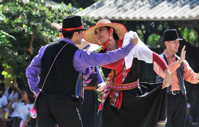 391f21de1380 BAFUSS de Valdivia lleva el folclor chileno a tierras colombianas ...